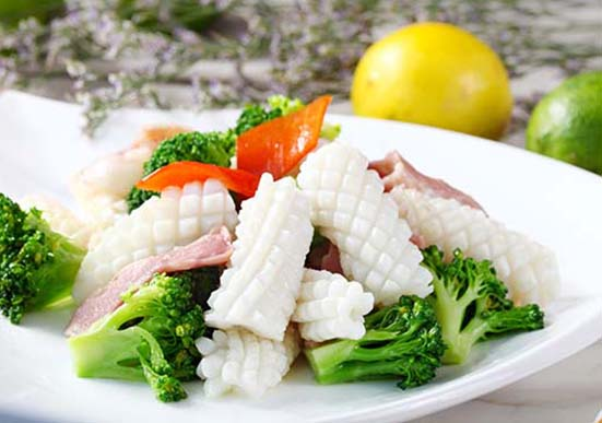 Pineapple Cut Squid Fillets (Todarodes pacificus or Illex argentinus)